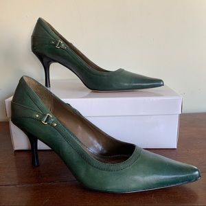 Anne Klein Majethro Green Leather Pointed Toe Heel